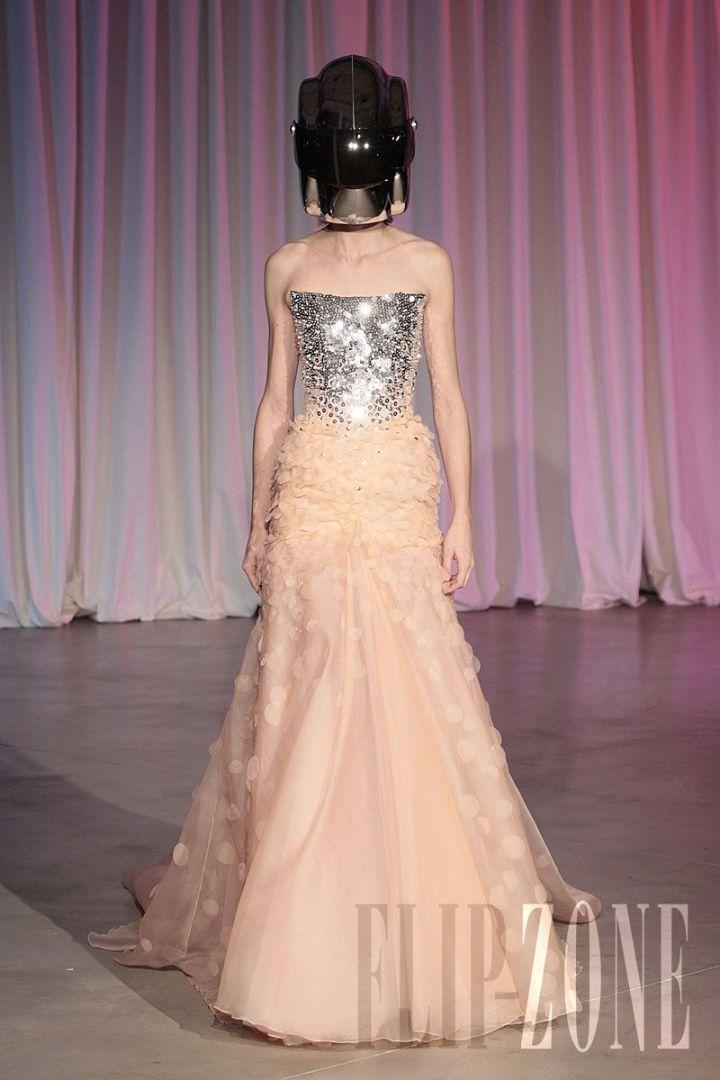 Vestidos de Gala que van bien para peinados clasicos Salon Pastel