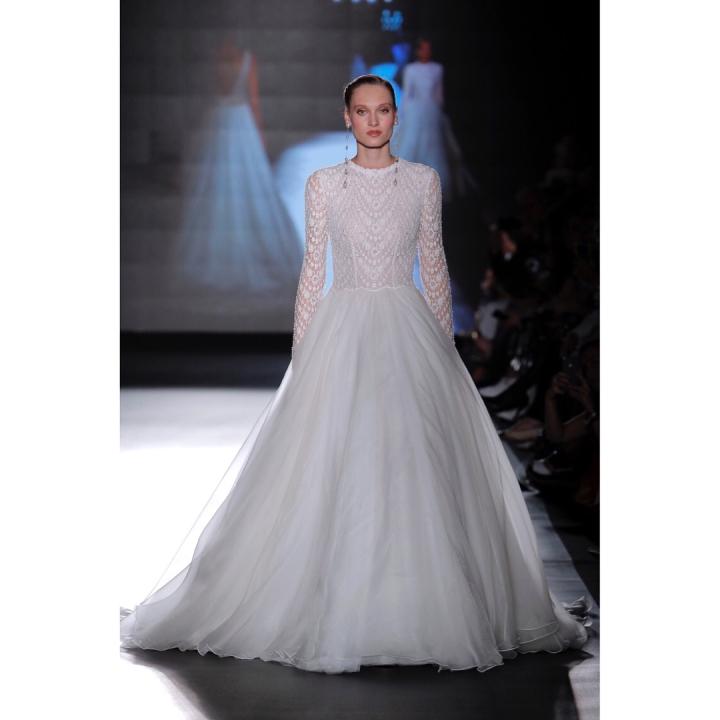 20 peinados y vestidos de novia que te dejaran con la boca abierta (3)