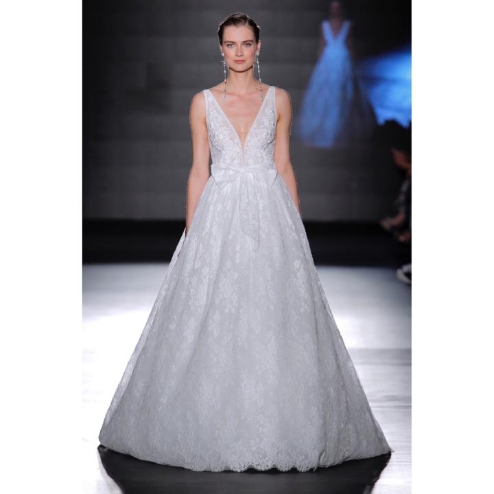 20 peinados y vestidos de novia que te dejaran con la boca abierta (8)