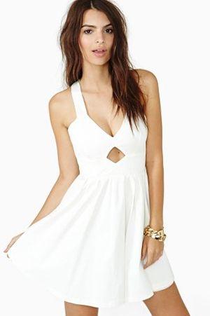 Estilo de pelo largo desfilado para vestidos de novia cortos