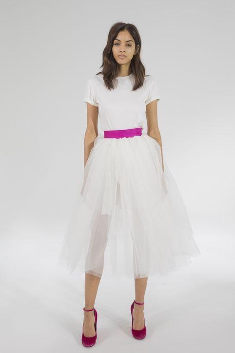 Estilo de pelo largo onda larga para vestidos de novia cortos