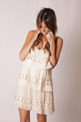 Peinados faciles de mujer con raya al centro para moda de primavera verano