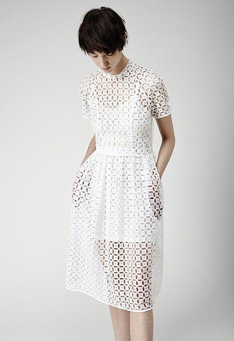 Peinados Cortos para Vestidos Blancos Midi, Encaje y Fiesta