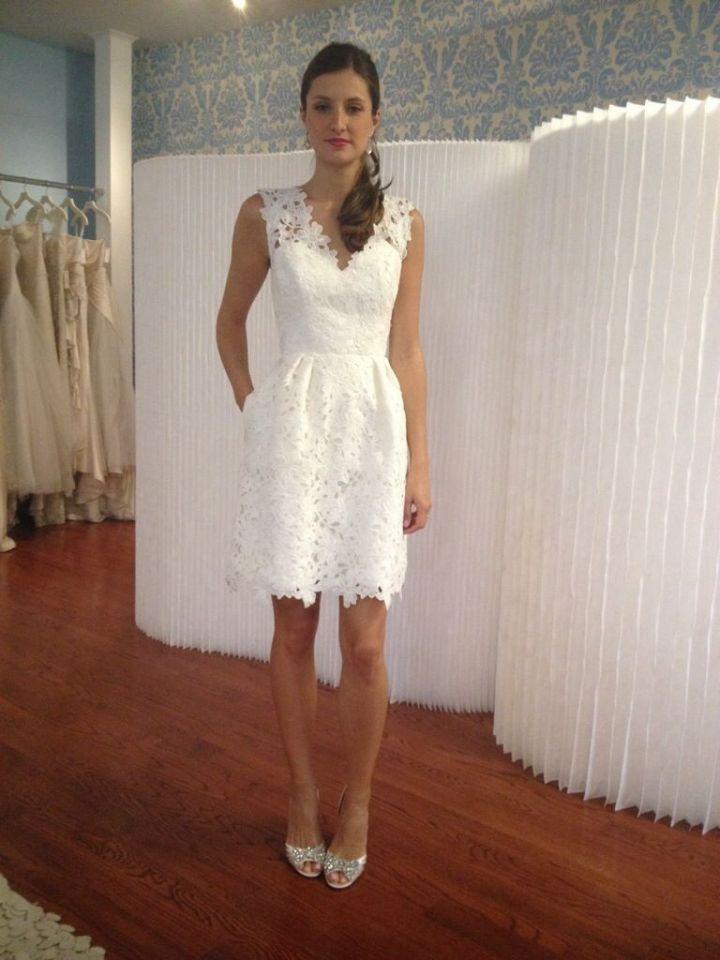 Peinados para Vestidos Blancos Midi, Encaje y Fiesta al aire libre