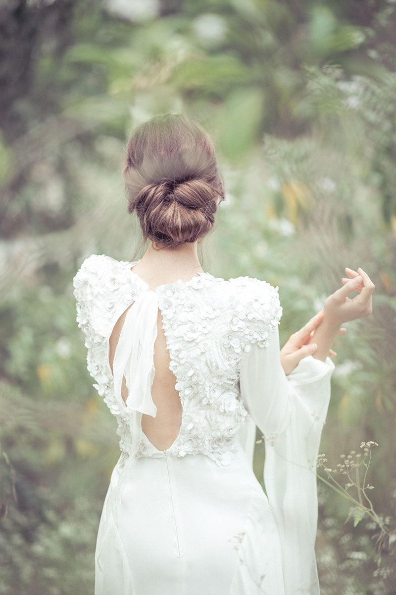 Peinados Recogidos para Vestidos Blancos Midi, Encaje y Fiesta