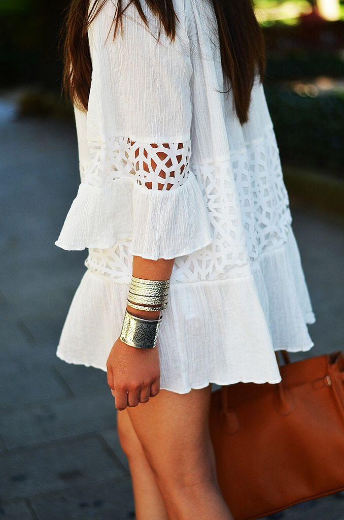20 Looks Veraniegos con Vestidos blancos Ligeros (13)