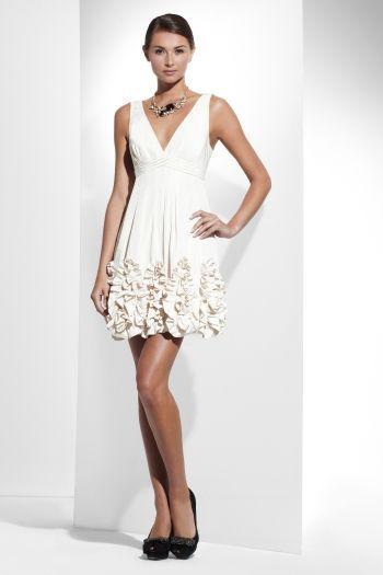 20 Looks Veraniegos con Vestidos blancos Ligeros (17)