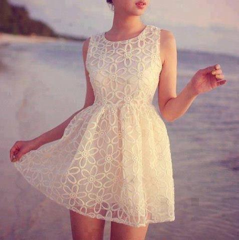 20 Looks Veraniegos con Vestidos blancos Ligeros (20)