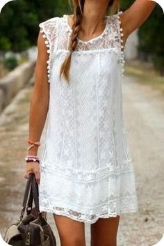 20 Looks Veraniegos con Vestidos blancos Ligeros (3)