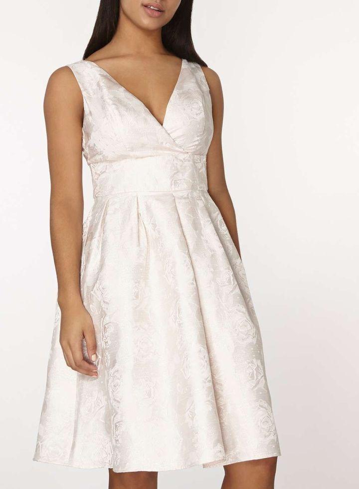 20 Looks Veraniegos con Vestidos blancos Ligeros (6)