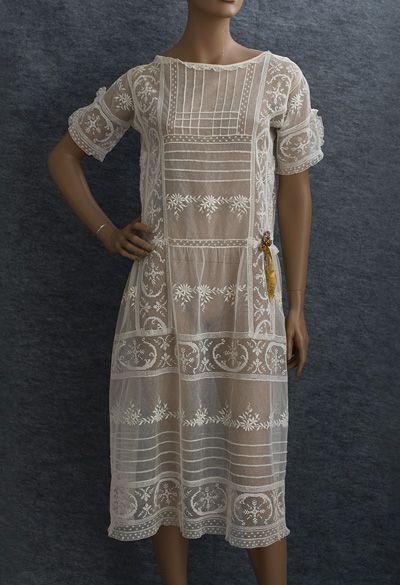 20 Looks Veraniegos con Vestidos blancos Ligeros (8)